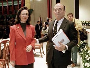 La nueva presidenta de Banco Santander, Ana Patricia Botín, y su padre, Emilio Botín, en una foto de hace años.