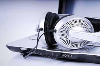 El 72% de los internautas escucha la radio cada día