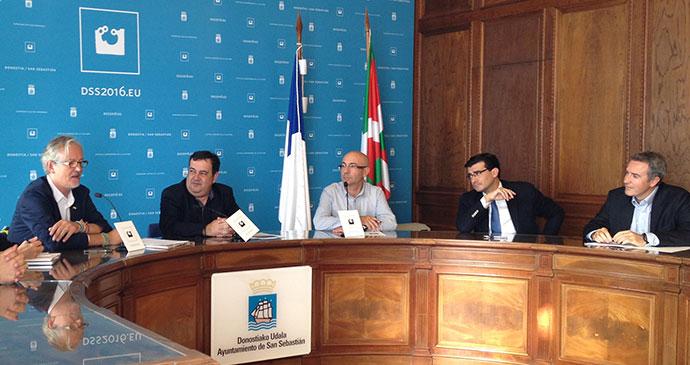 reunión c de c en ayuntamiento de San Sebastián