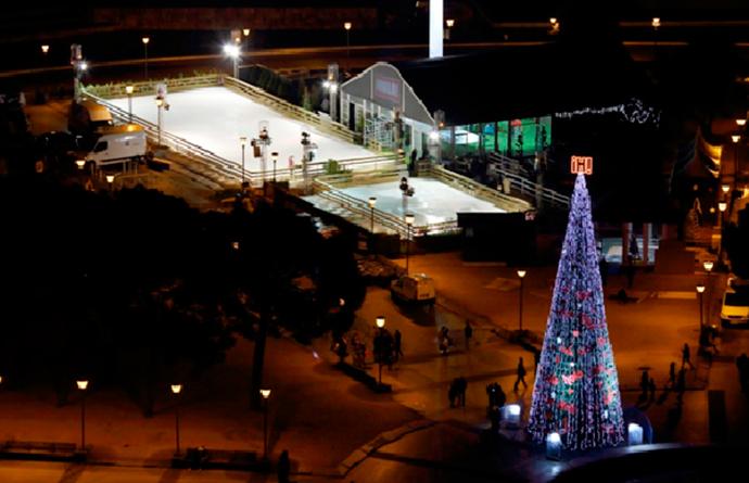 ¡Hola! inaugura una pista de hielo en Madrid