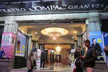 El Gran Vía se convierte en el Teatro de la Luz Philips Gran Vía