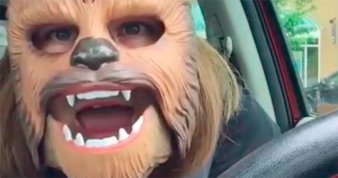 candance-payne-máscara-chewbacca-hasbro