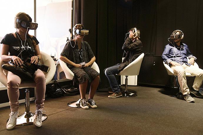 Samsung Sitges Coocon, la 'terrorífica' sala de realidad virtual de Samsung y Vigalondo