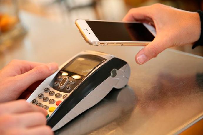 El pago móvil se consolida en España