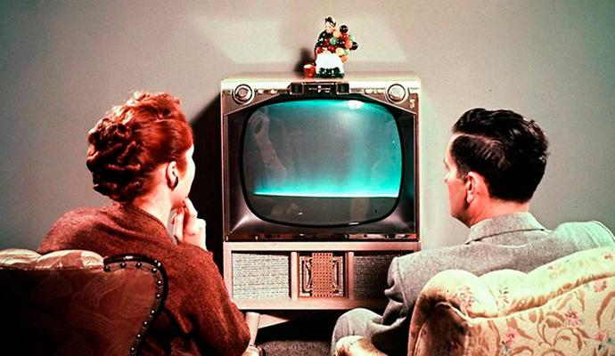 Los adultos de 45 a 64 años, grupo clave de la audiencia de televisión