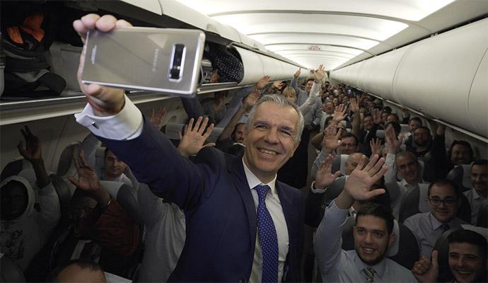 Samsung impacta a los pasajeros de un vuelo de Iberia obsequiándoles con un Galaxy Note8