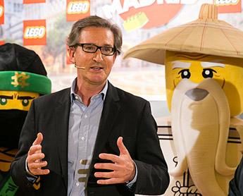 César-Ridruejo-country-manager-de-LEGO-España-inaugura-primera-tienda-física-de-LEGO-en-España
