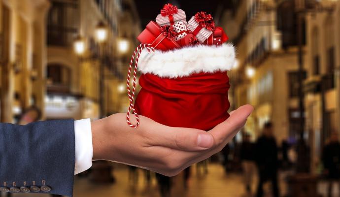 Un 49% de consumidores vende en internet los regalos navideños que no quiere
