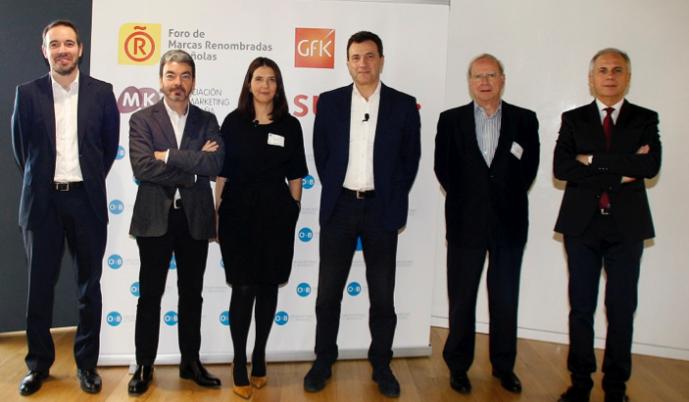 Fotografía de grupo de los participantes y organizadores de la séptima edición del Observatorio de Branding.
