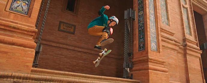 La nueva campaña de publicidad de Cola Cao apuesta por la promesa del skate, el niño sevillano David Parrilla.