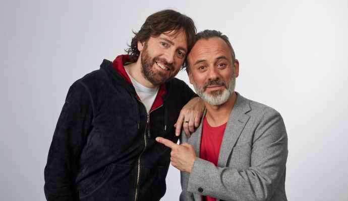 Daniel Sánchez Arévalo, a la izquierda, y Javier Gutiérrez, director y protagonista de la nueva webserie de Amstel.