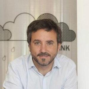 Fernando de la Rosa es fundador de Foxize, expertos en formación digital y marketing, y profesor por vocación.