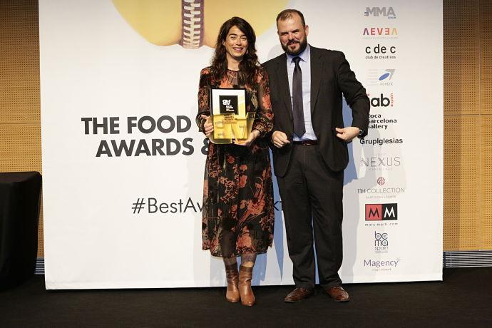 Fotografía de la entrega de los premios Best Awards 2018. En la imagen, Jaime de Haro entrega el premio a Campofrío.