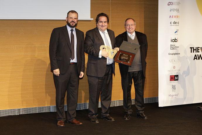 Fotografía de la entrega de los premios Best Awards. Aparecen Jaime de Haro, José Luis Bonet y Fernando Fernández.