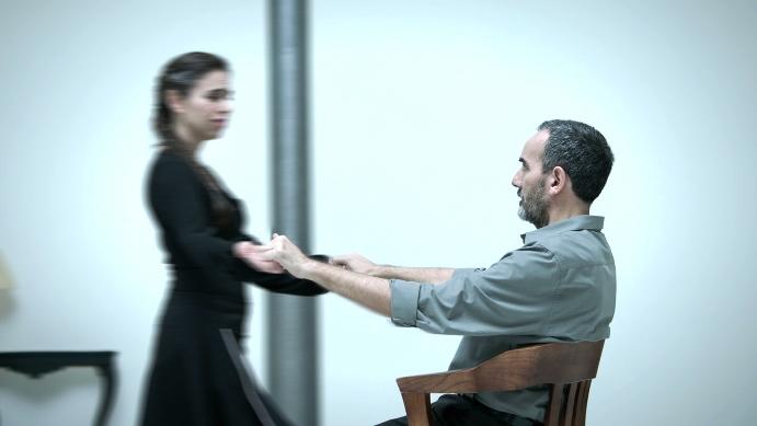 Fotograma del vídeo elaborado por DDB España para la Fundación Luzón y Samsung.