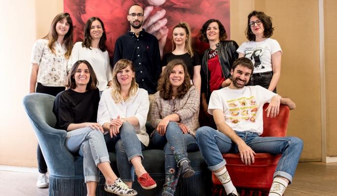 Fotografía de grupo de las nuevas incorporaciones al equipo digital de Sra. Rushmore.