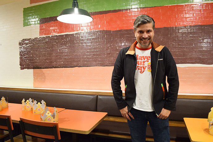 Fernando Machado, global chief marketing officer de Burger King, es un auténtico fan de la marca y siempre va vestido con sus colores corporativos.