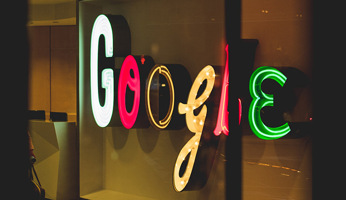 Google vuelve a lidera el ranking de marcas más valiosas del mundo, con una tasación de marca de 302.063 millones de dólares.