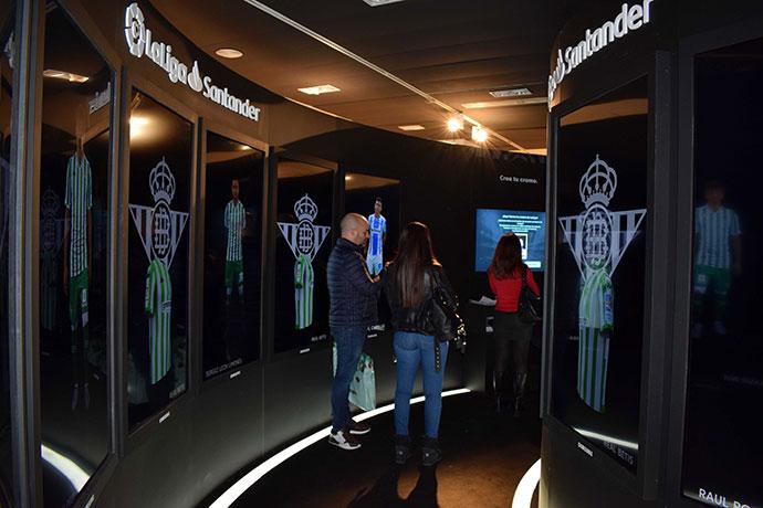 LaLiga Córner es el nuevo espacio interactivo que LaLiga y El Corte Inglés han puesto en marcha para ofrecer a los clientes experiencias interactivas relacionadas con el deporte rey.