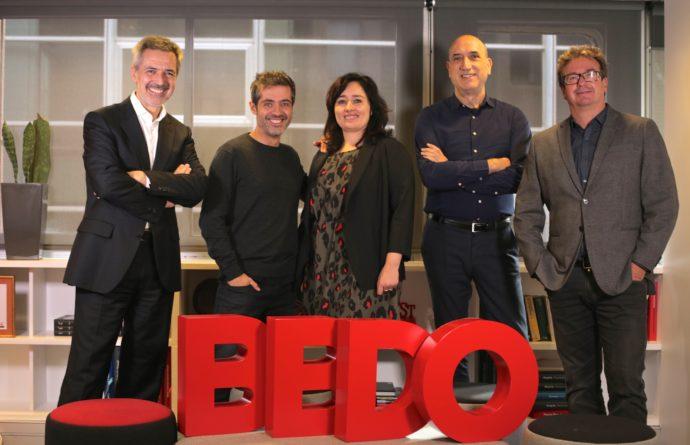 De izquierda a derecha: David Coral, presidente y CEO de BBDO España; Tomás Ferrándiz, director creativo ejecutivo de Tiempo BBDO; Marta Bargalló, directora general de Tiempo BBDO; Siscu Molina, director general creativo, y Julio Paredes.