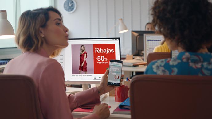 El spot de la campaña, desarrollado junto al departamento de Creatividad de El Corte Inglés, muestra ese diálogo en tiempo real.