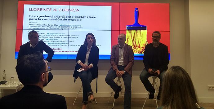 Laura Gonzalvo, directora de comunicación y relaciones públicas en Securitas Direct para Iberia y Latinoamérica, (en el centro).