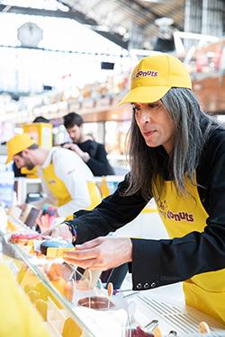 Donuts abre su primera tienda, con Mario Vaquerizo de padrino