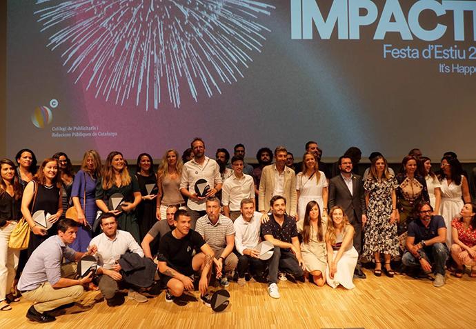 La gala también destaca la entrega del Premi de Honor, que el Col·legi entrega cada año, a los fundadores de Mediapro, Jaume Roures y Tatxo Benet. Foto: imagen de todos los ganadores.