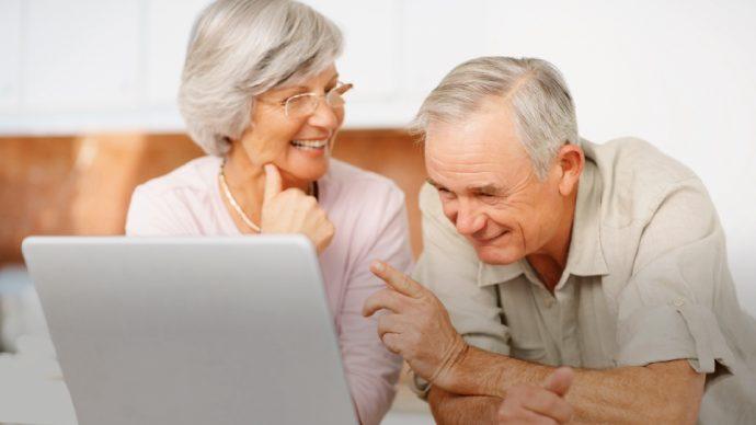 el único uso de Internet que experimenta una caída del 31%, es en el momento de compartir archivos.