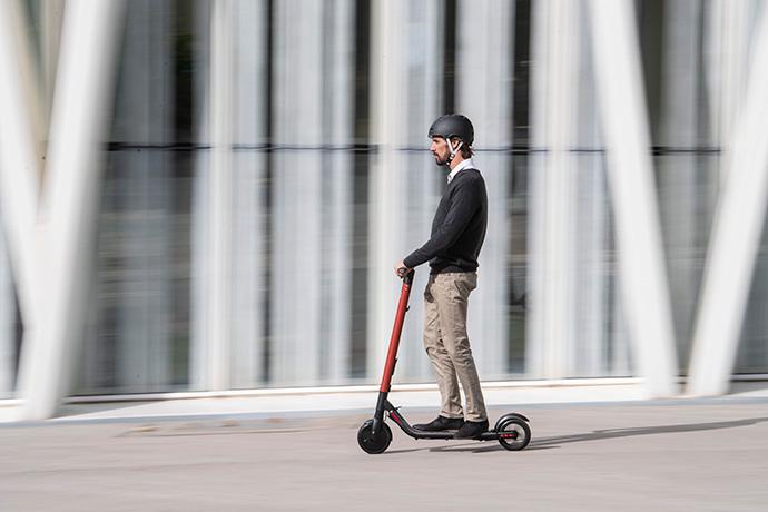 Seat continuará su acuerdo de colaboración con la startup UFO para llevar el transporte con patinete eléctrico a más ciudades españolas