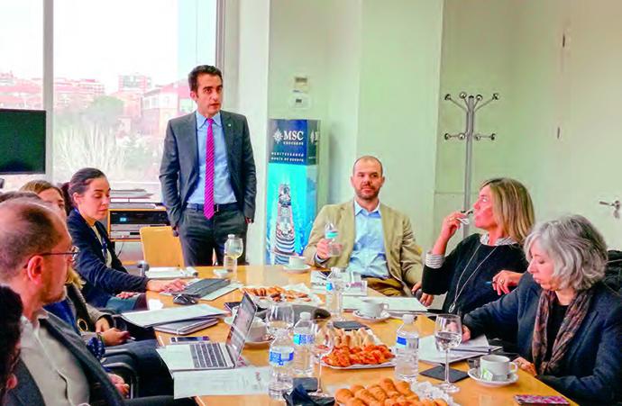 (En el centro) Luigi Surace, director de marketing y comunicación de MSC Cruceros, en una nueva edición del Reservado al Anunciante de IPMARK.