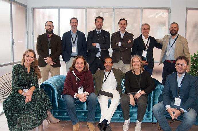 Foto de grupo de los asistentes al Coloquio de Agencias Independientes organizado por IPMARK.