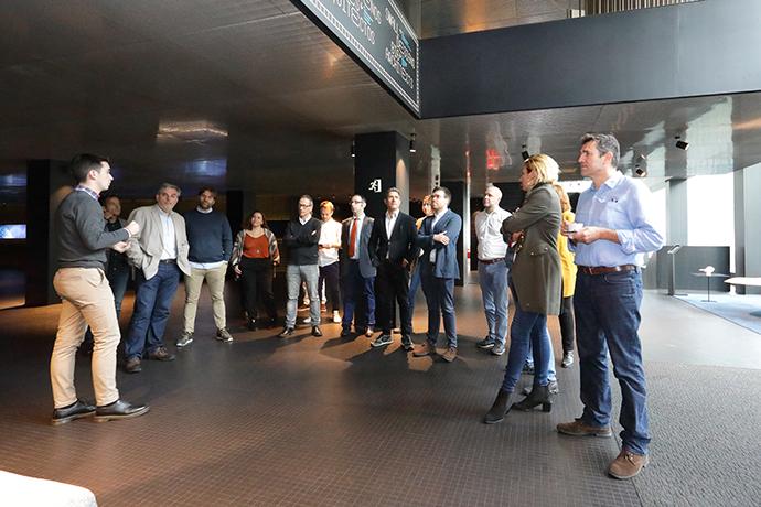 Roca Barcelona Gallery acogió el debate de las agencias independientes que operan en Cataluña.