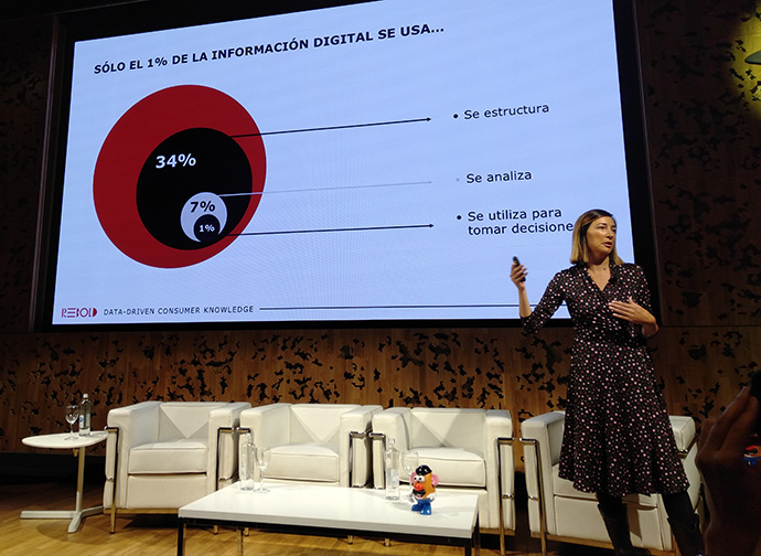 Verónica Revilla, responsable de medios digitales de Telefónica, en el encuentro organizado por la consultora Rebold