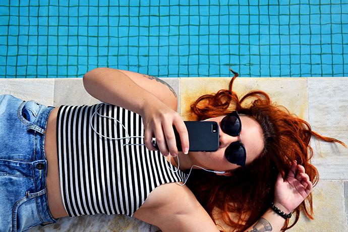 El 97% de los españoles depende más de Internet en verano