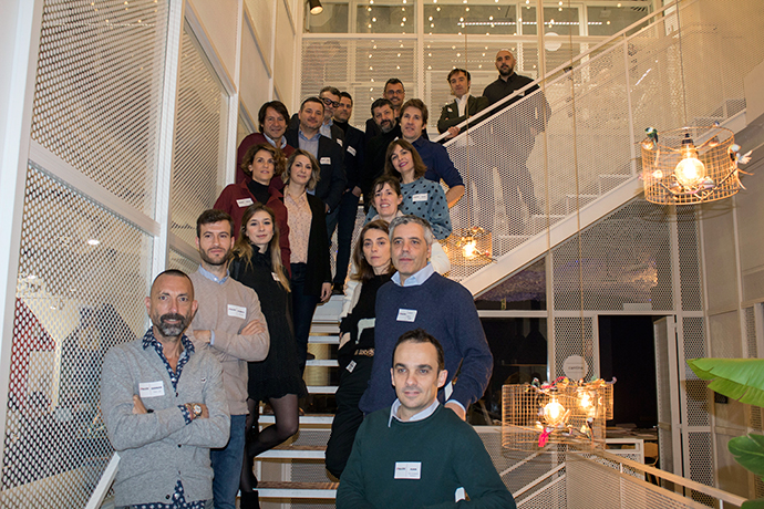 Foto de grupo de los asistentes al debate sobre 'Activismo de Marca' convocado por IPMARK en Utopicus.