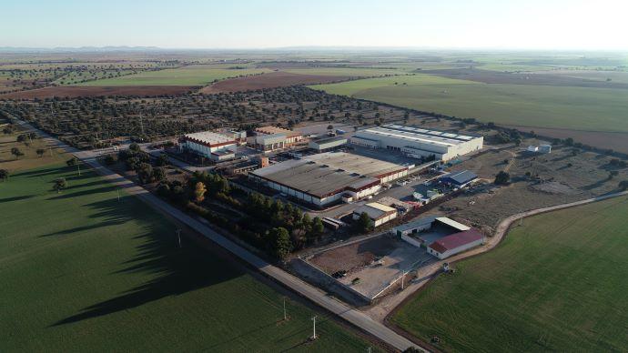 Pernod Ricard España, ha puesto su centro de producción ubicado en Manzanares (Ciudad Real) a disposición de las autoridades competentes para la fabricación de geles hidroalcohólicos.