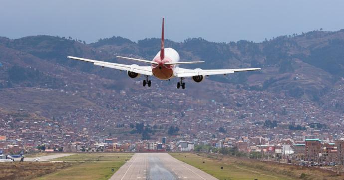Aerolíneas, Ocio y Turismo y Comercio, los sectores más afectados por el COVID-19