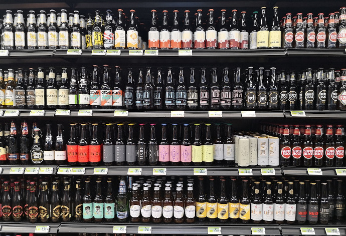 La cesta de la compra está protagonizada por cerveza (+78%), limpiadores (+34%), alcohol (+24%) y conservas (+23%)