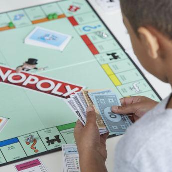 El confinamiento dispara las ventas del Monopoly un 327%
