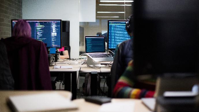 los expertos en Inteligencia Artificial, Big Data, blockchain y Business Inteligence son hoy día sujetos de interés para una mayoría de empresas.