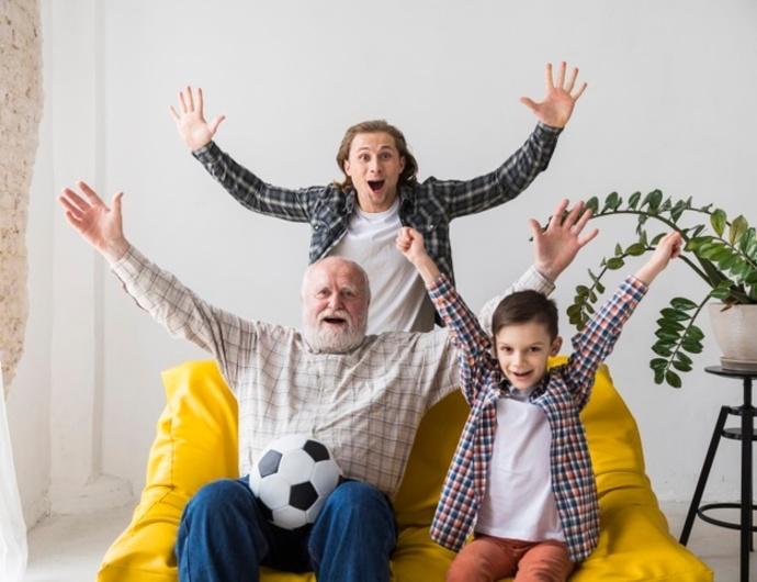 Mediapro y LaLiga llevan el fútbol a las residencias de la tercera edad