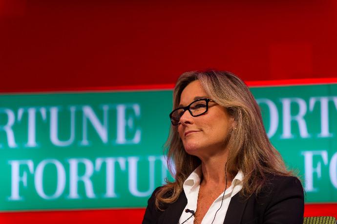 Angela Ahrendts, ex de Apple y Burberry, directora no ejecutiva de WPP