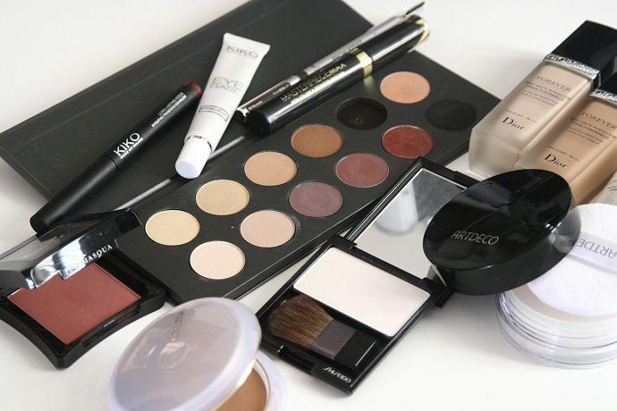 Las españolas gastan 286 euros anuales en cosméticos