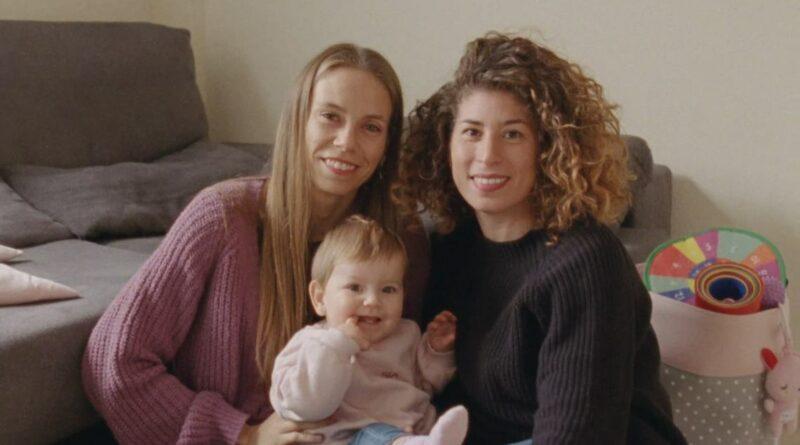 """""""Es Natural"""", una campaña que da voz a los distintos tipos de maternidad"""