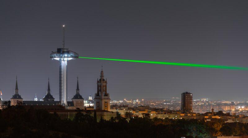 AEVEA enciende el Faro de Moncloa: una luz hacia el futuro