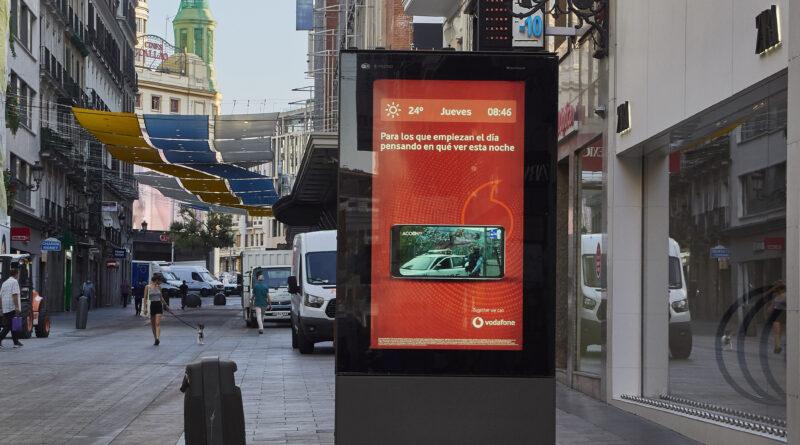 Nueva campaña de Vodafone en soportes digitales urbanos
