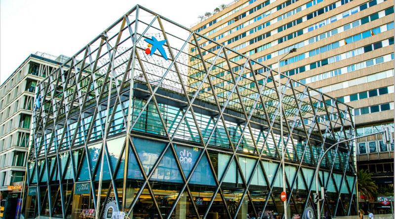 CaixaBank inaugura en Madrid su tercer centro All in One