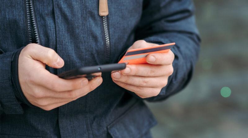 La futura Ley del Consumidor prohibirá las reseñas falsas en internet