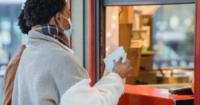 La pandemia incentiva la aparición de un comprador mixto